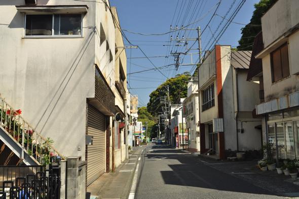 現在の下賀茂商店街。正直、今はその面影はない。