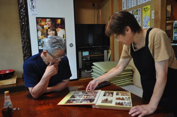 当時の写真は見つからなかったが、東京でつかさ庵をやっていた時のことを話してくれた。そのときは手打ち蕎麦ではなく、機械を使った製麺蕎麦だった。「配達もやっていたよ。毎日4000件のエリアを回っていたかな」と政男さん