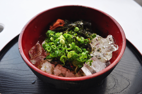 個人的には冷やし茶漬けも美味しかった。海からあがってかきこむご飯は最高。梅干しは自家製の梅を使っている。塩分補給のお供にいかがでしょう