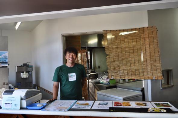 「タイ料理が作れる方が今年入社したので、一緒にメニューを考えました」と店主の井上〇〇さん