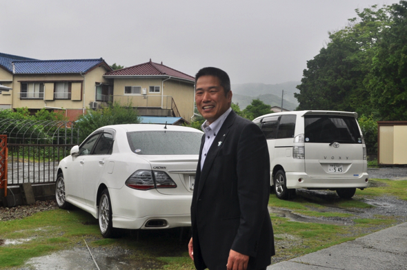 大雨の中デートに応じてくれた岡部町長、ありがとうございます!