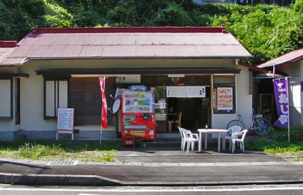 こあじ亭の店内。バイク乗りが集まるお店として知られていた。