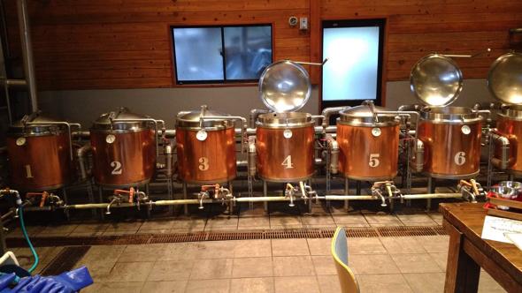 最終的に、醸造場は神奈川県にある「サンクトガーレン」に決まった。「そこのビールが一番美味しいと僕が思ったんです。ここだと決めて、通い続けました」と團之原さん