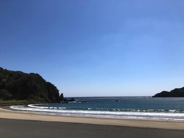 弓ヶ浜。夏は多くの人で賑わう