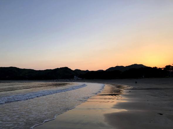 夕暮れ時の弓ヶ浜