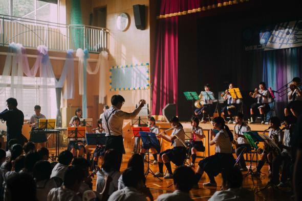 音楽祭のシーン。下田高校や松崎町などいろんな町外の高校生がエキストラとして参加した